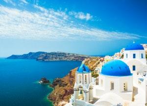 White-church-in-Oia-town-on-Santorini-island-in-Greece-475124388_5760x3588 (1)