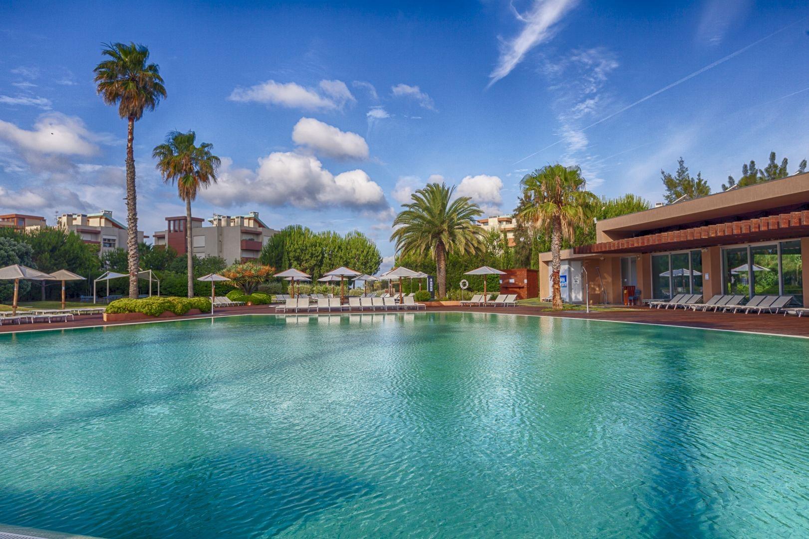 Aqualuz-Troia_piscina-exterior_1806_0718